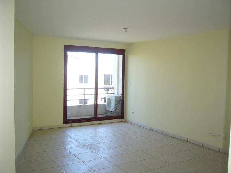 Location appartement St denis 780€ CC - Photo 3