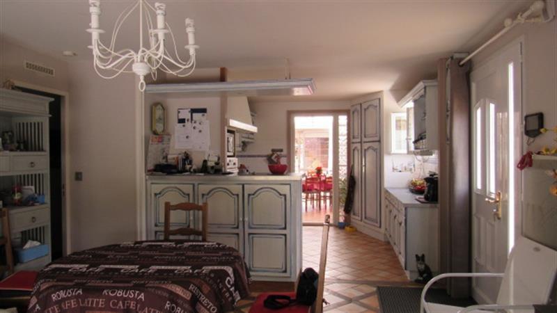 Sale house / villa Saint-hilaire-de-villefranche 185500€ - Picture 5