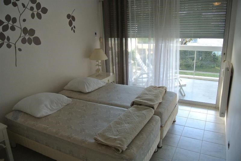 Vacation rental apartment Juan les pins  - Picture 3