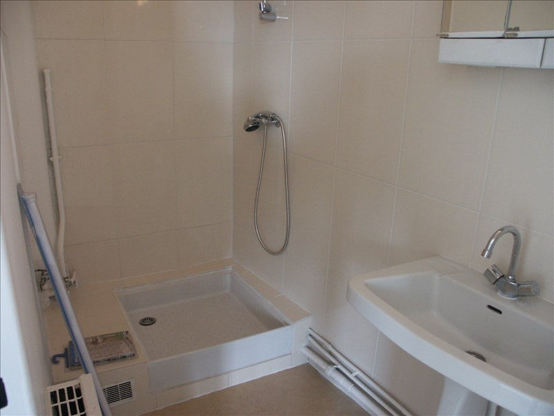 Location appartement Paris 18ème 724€ CC - Photo 4