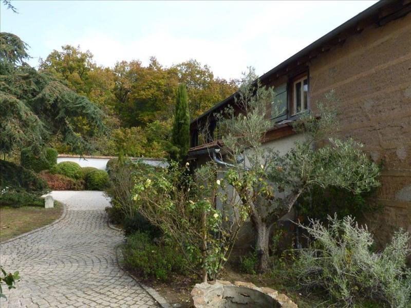 Sale house / villa Balbigny 380000€ - Picture 1