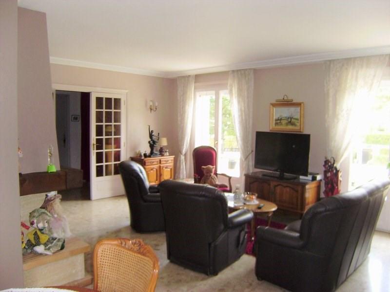 Deluxe sale house / villa Charbonnieres les bains 690000€ - Picture 4