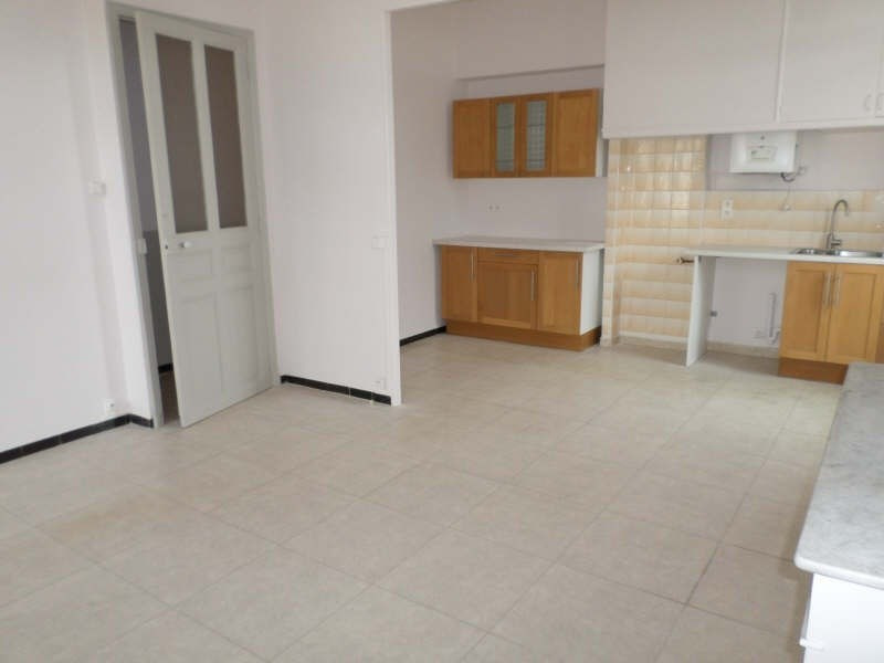 Location appartement Salon de provence 710€ CC - Photo 1