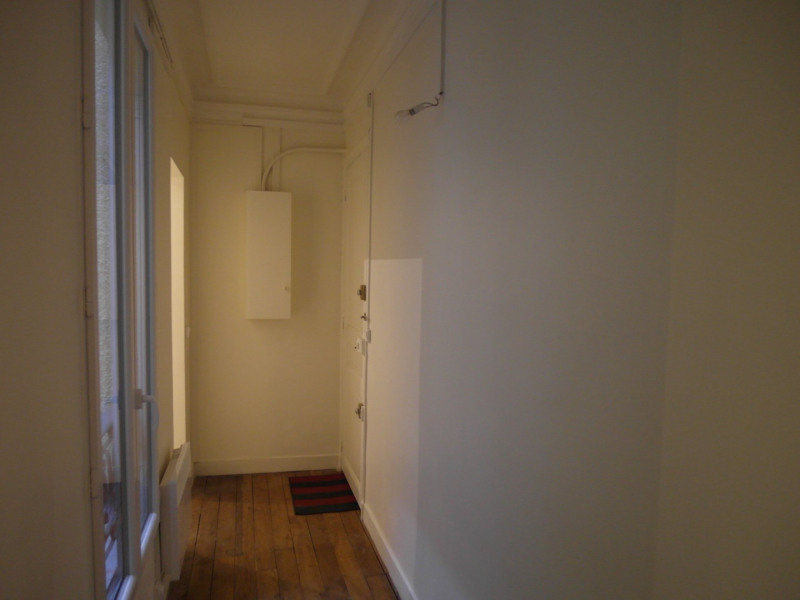 Rental apartment Neuilly 896€ CC - Picture 3
