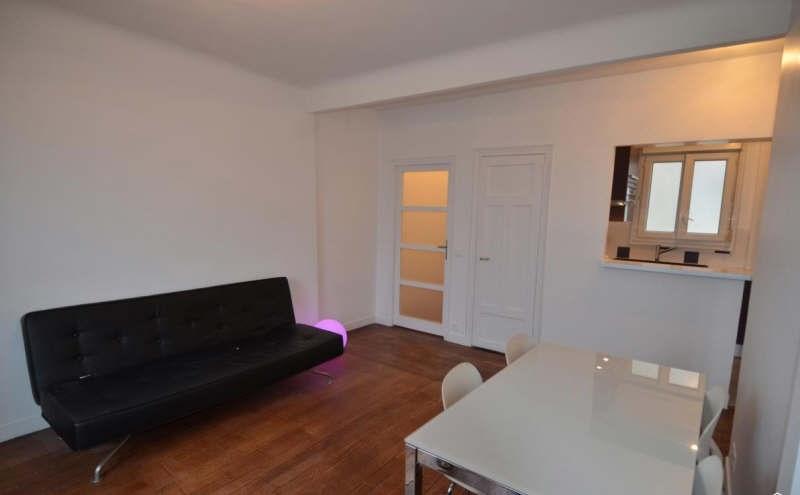 Sale apartment Courbevoie 359000€ - Picture 1