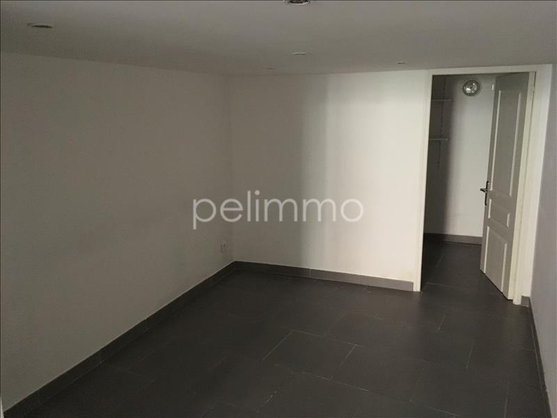Rental apartment Grans 695€ CC - Picture 3