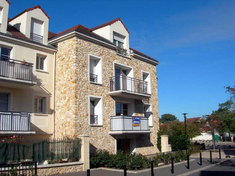 Rental apartment Trappes 790€ CC - Picture 1