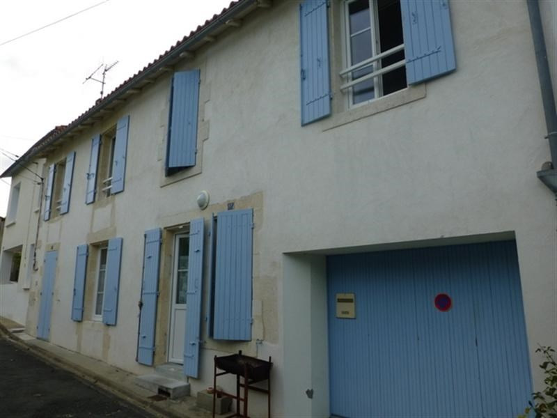 Rental house / villa Saint-jean-d'angély 650€ CC - Picture 2