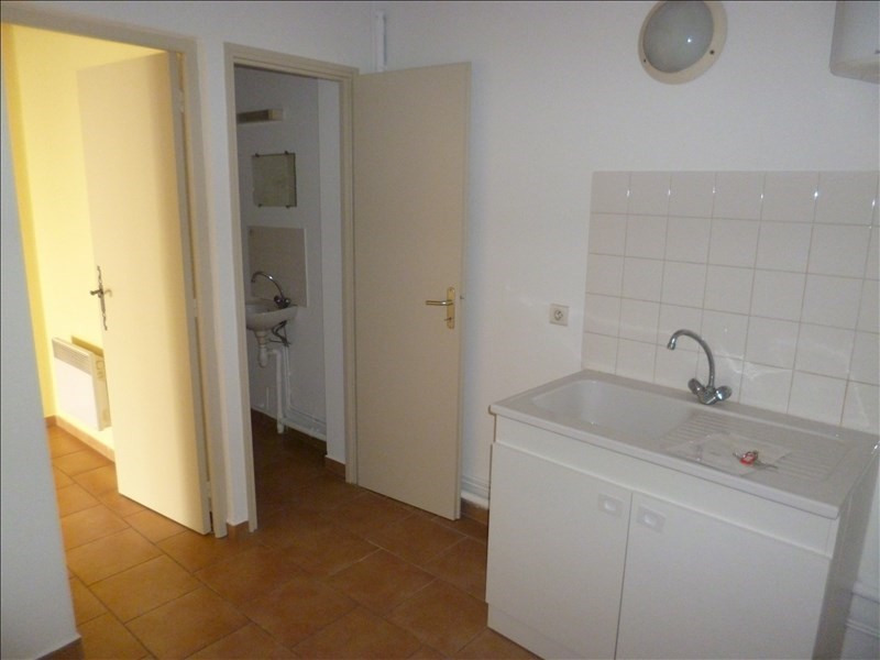 Location local commercial Pernes les fontaines 720€ +CH/ HT - Photo 4