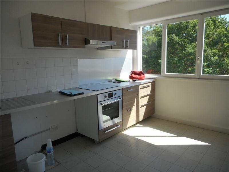 Rental apartment Voiron 541€ CC - Picture 2