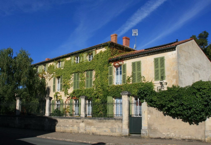 Vente de prestige maison / villa Courcon 698 000€ - Photo 1