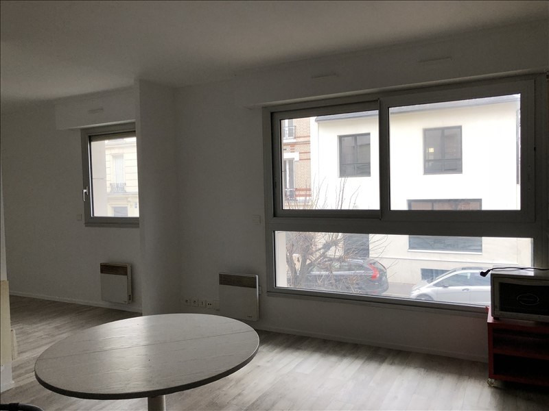 Rental apartment Courbevoie 990€ CC - Picture 2