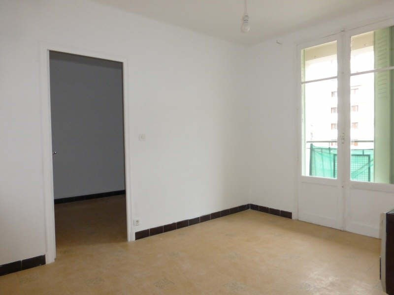 Sale apartment Toulon 95 000€ - Picture 2