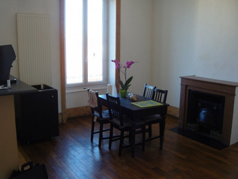 Sale apartment Oullins 232 000€ - Picture 2