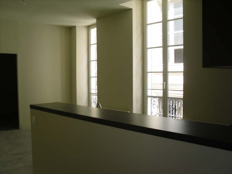 Location appartement Nimes 480€ CC - Photo 2