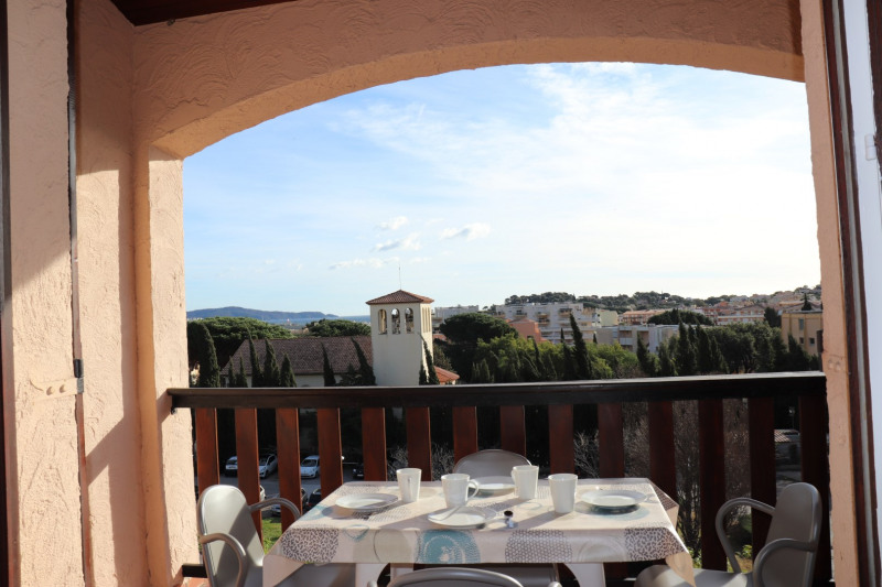 Vacation rental apartment Cavalaire 350€ - Picture 3