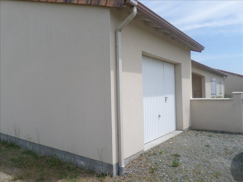 Location maison / villa Bonnes 670€ +CH - Photo 2