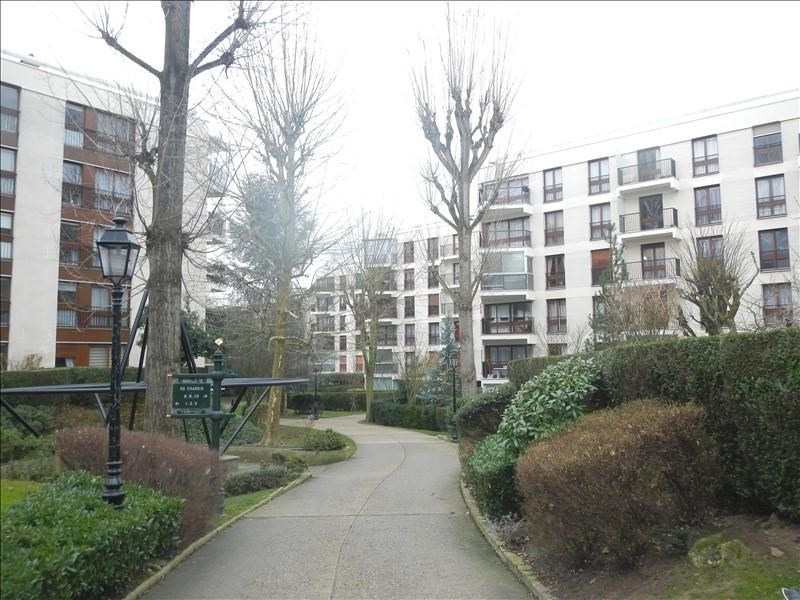 Rental apartment Le chesnay 698€ CC - Picture 2