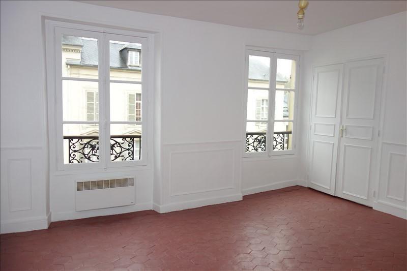 Rental apartment Versailles 845€ CC - Picture 1