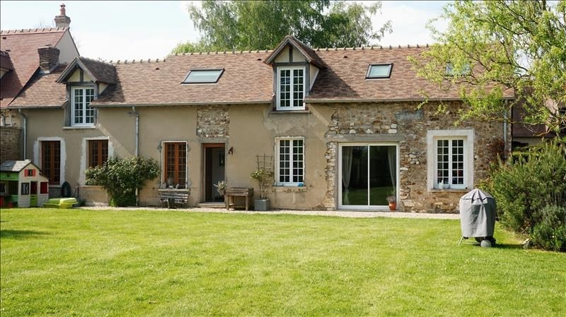 Sale house / villa Breval 320 000€ - Picture 1