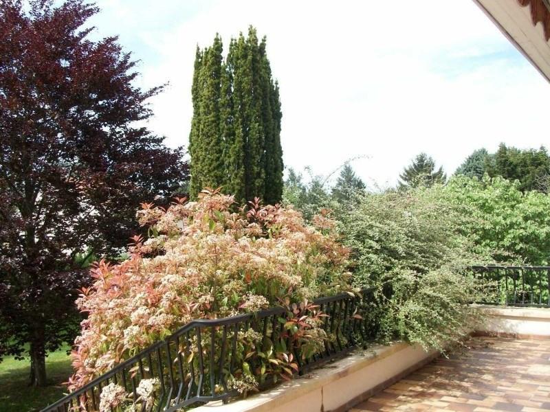 Sale house / villa Commelle-vernay 305000€ - Picture 5