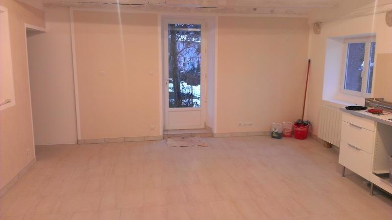Location appartement Veyziat 408€ CC - Photo 1