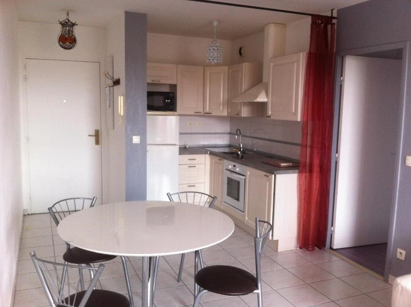 Location appartement Aix en provence 690€ CC - Photo 3