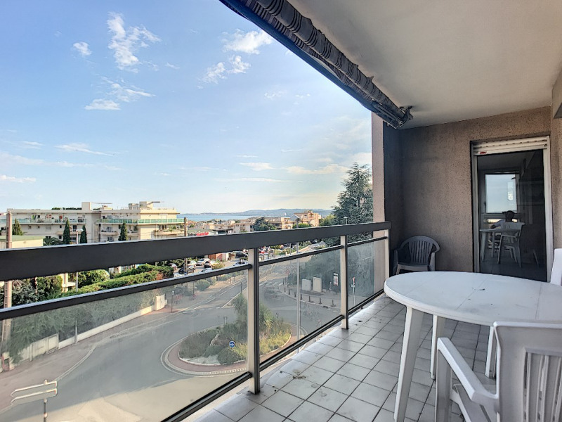 Sale apartment Saint laurent du var 289 000€ - Picture 1