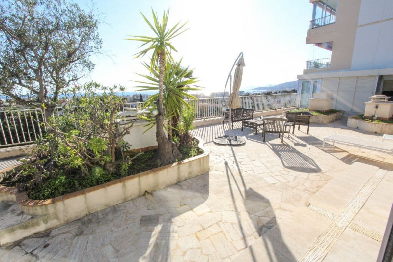 Rental apartment Antibes 3 300€cc - Picture 12