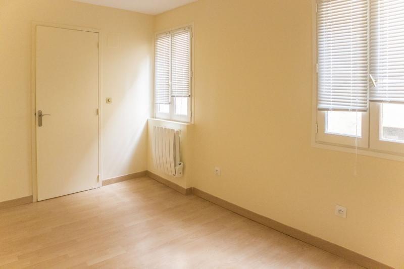 Sale apartment Montfort l amaury 83000€ - Picture 1