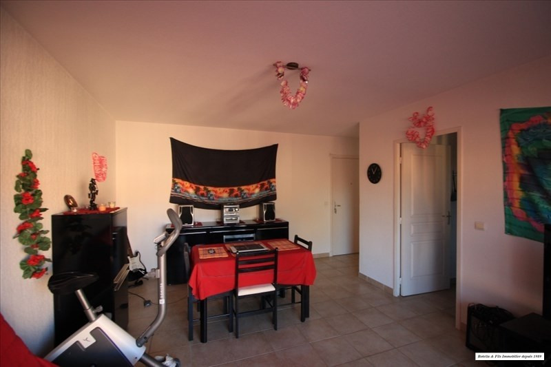 Verkoop  appartement Uzes 170000€ - Foto 3