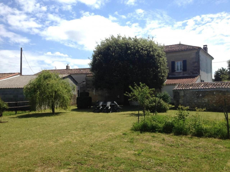 Sale house / villa Burie 245 575€ - Picture 5