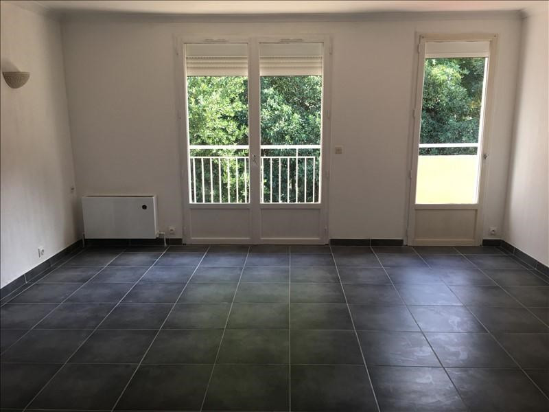 Rental apartment Nimes 785€ CC - Picture 2