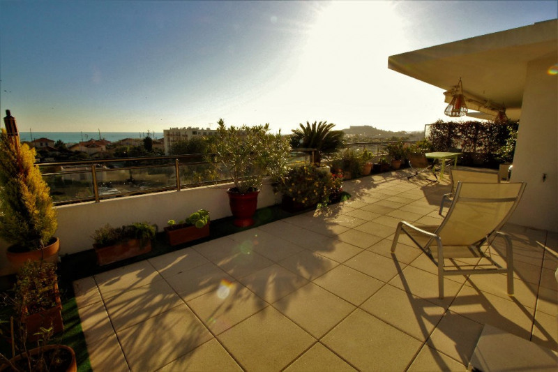 Deluxe sale apartment Antibes 730 000€ - Picture 1