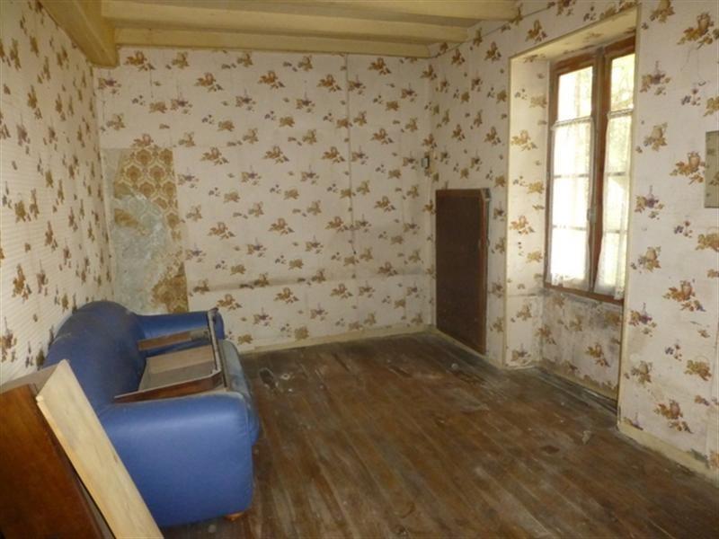 Sale house / villa Saint-jean-d'angély 33000€ - Picture 6
