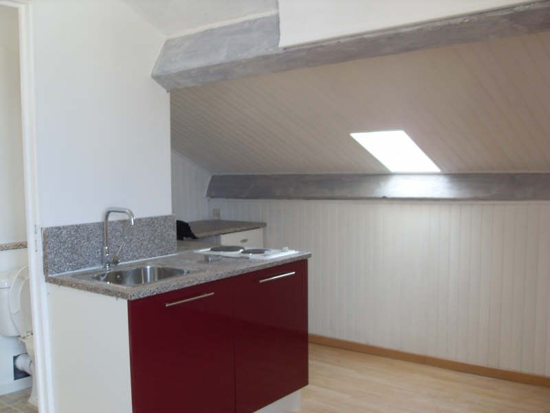 Rental apartment Angouleme 290€ CC - Picture 1