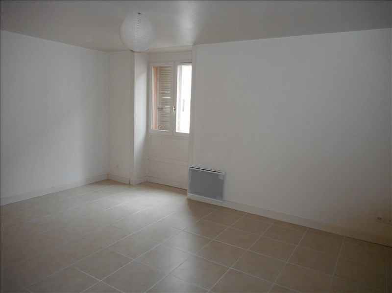 Location appartement Voiron 357€ CC - Photo 1