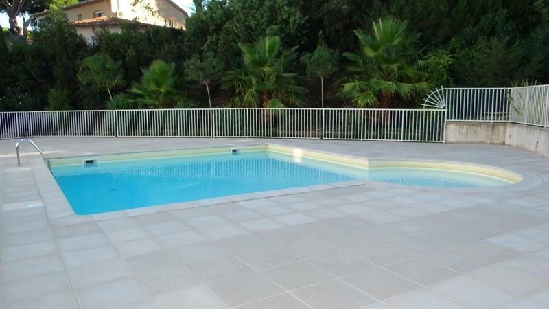 Location vacances appartement Cavalaire 400€ - Photo 2