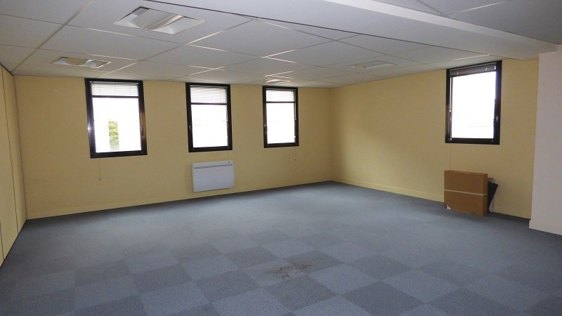 Rental office Annemasse 4 770€ CC - Picture 2