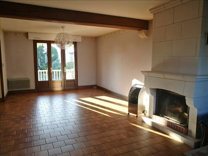 Sale house / villa La chaussee st victor 253000€ - Picture 2