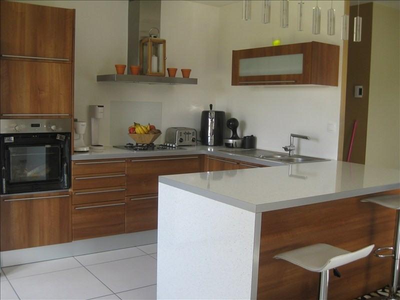 Sale house / villa Guernes 270000€ - Picture 3