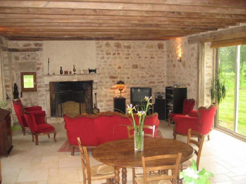 Deluxe sale house / villa Curzay sur vonne 334000€ - Picture 1