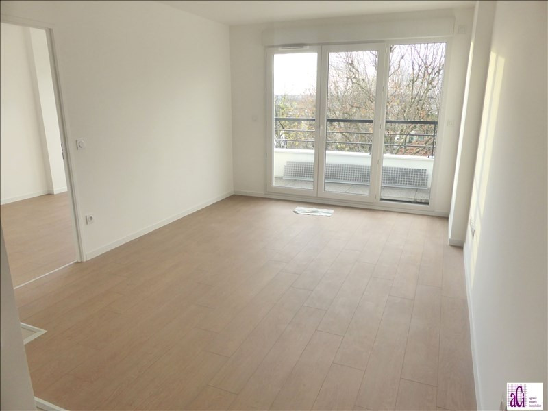Rental apartment L hay les roses 1 000€ CC - Picture 2