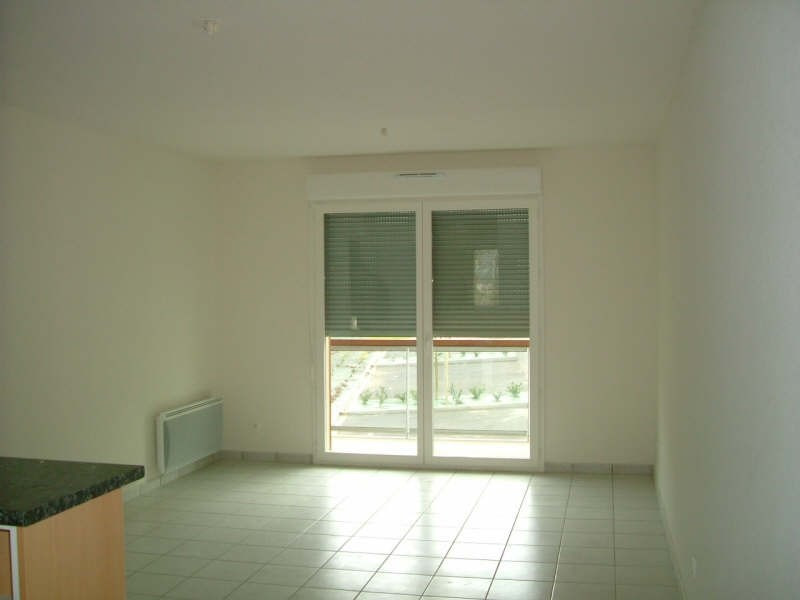 Rental apartment Vendome 585€ CC - Picture 2