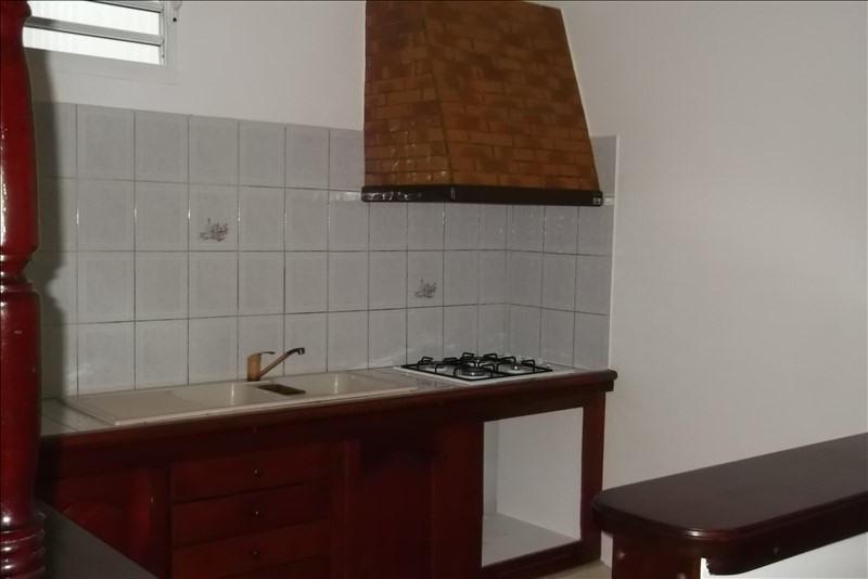 Rental apartment Lamentin 650€ CC - Picture 2