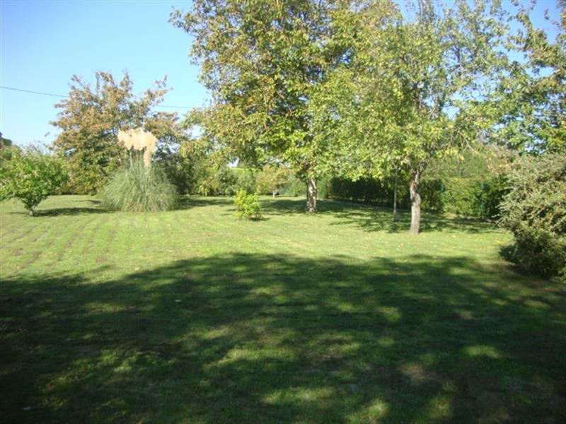 Sale site Villeneuve-la-comtesse 27 250€ - Picture 6