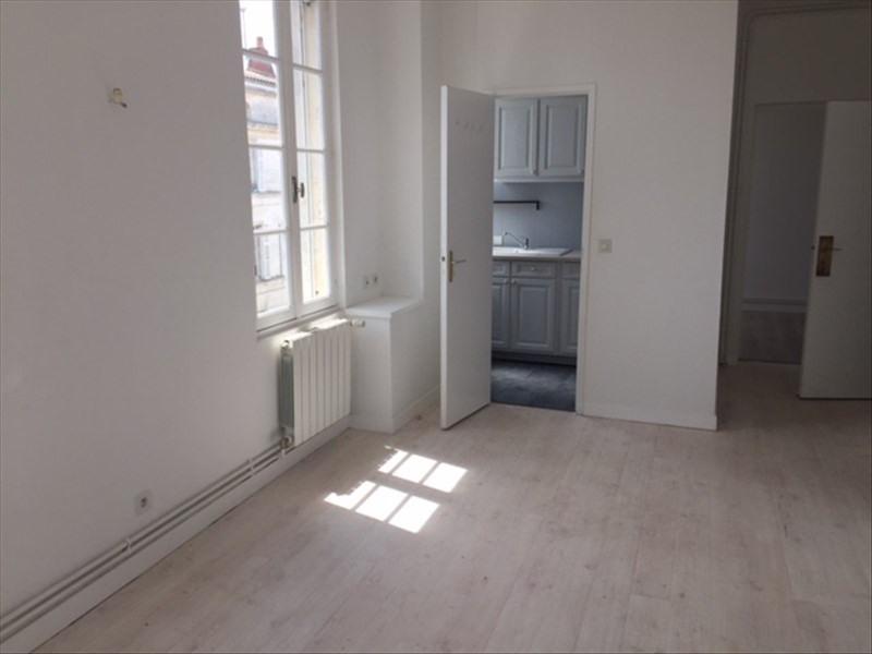 Location appartement Rochefort 565€ CC - Photo 3