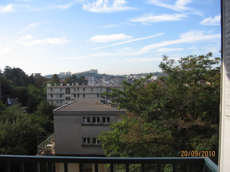 Location appartement Oullins 578€ CC - Photo 2