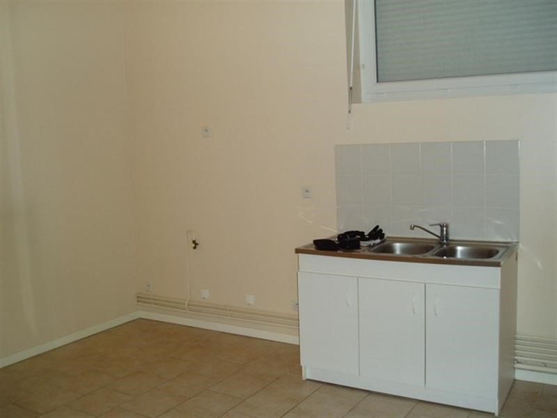 Rental apartment Honfleur 363€ CC - Picture 1
