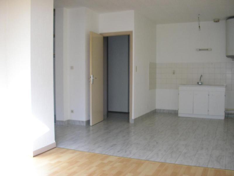 Location appartement Nantua 386€ CC - Photo 2